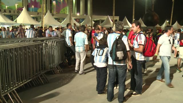 Argentina fans commiserate after losing 01 to Germany in the World Cup final in Rio de Janeiro