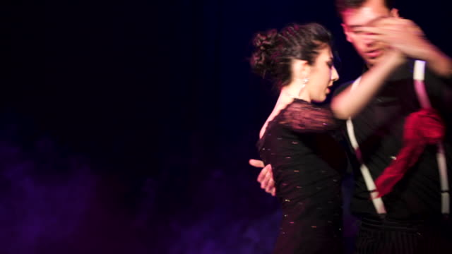 vídeos de stock e filmes b-roll de argentina tango - tango dança