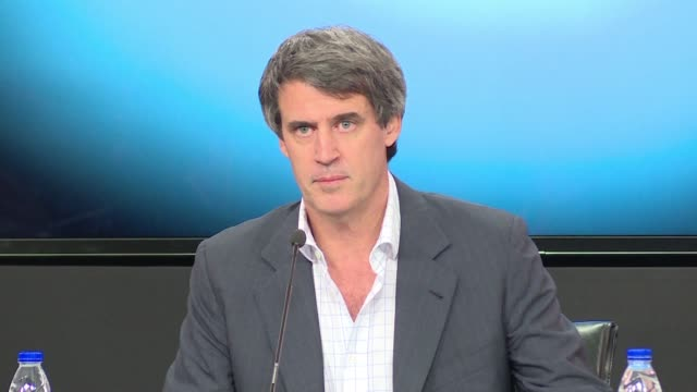 stockvideo's en b-roll-footage met argentine finance minister alfonso prat gay said wednesday the country will scrap the foreign exchange restrictions that led to separate official and... - devaluation