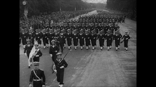 argentine sailors marching in parade formation. soldiers in uniform marching. president pedro p. ramirez , general edelmiro j. farrell & other... - argentina video stock e b–roll