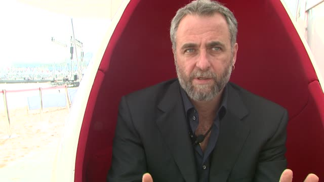 ari folman on the autobiographical nature of the film at the waltz with bashir inerview at cannes - biographie stock-videos und b-roll-filmmaterial