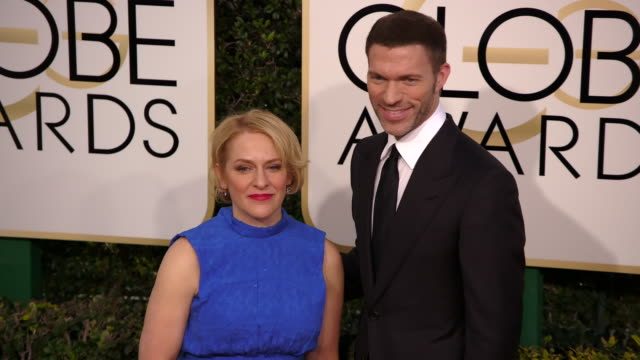 arianne sutner and travis knight at 74th annual golden globe awards arrivals at the beverly hilton hotel on january 08 2017 in beverly hills... - ビバリーヒルトンホテル点の映像素材/bロール