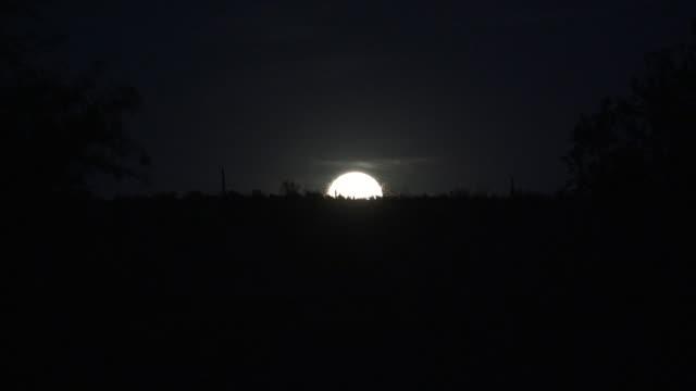 Arizona full moon rising time lapse