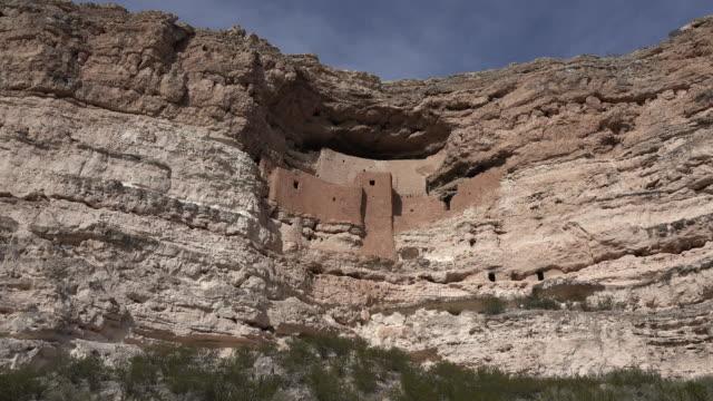 vídeos y material grabado en eventos de stock de arizona montezuma castle in cliff face.mov - cultura pueblo