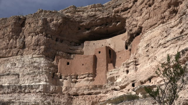 Arizona Montezuma Castle on cliff zoom out.mov