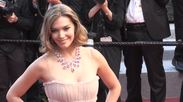 arizona muse on the red carpet for the premiere of le grand bain at the cannes film festival 2018 sunday 13 may 2018 cannes france - 71st international cannes film festival stock videos & royalty-free footage