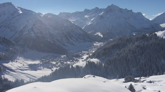 Arlberg - View of the mountain range in Lech