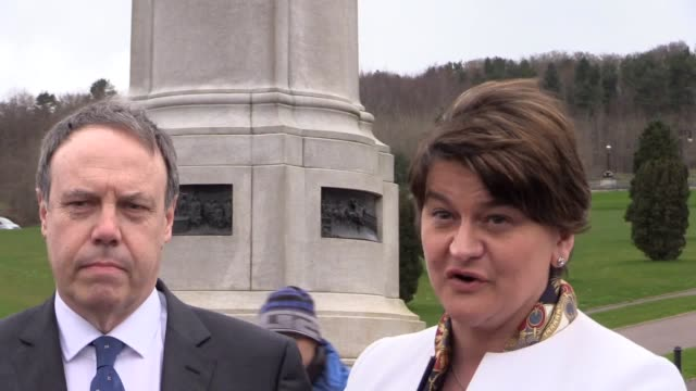 arlene foster and nigel dodds speak about the prospect of forming a new powersharing government the election ended the unionist majority at stormont... - シンフェイン点の映像素材/bロール
