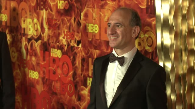vídeos y material grabado en eventos de stock de armando iannucci at the 2015 hbo emmy after party at the plaza at the pacific design center on september 20 2015 in los angeles california - armando iannucci