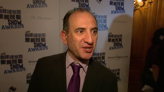 vídeos y material grabado en eventos de stock de armando iannucci on being nominated on the thick of it at the the south bank show awards at london england - armando iannucci