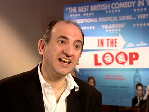 vídeos y material grabado en eventos de stock de armando iannucci on the fact that office politics is the same in politics as everywhere else at the in the loop interviews at london - armando iannucci