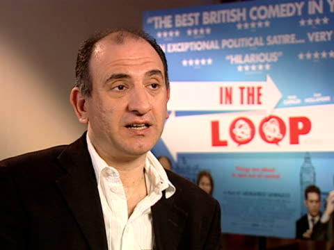 vídeos y material grabado en eventos de stock de armando iannucci on the swearing in the movie at the in the loop interviews at london - armando iannucci