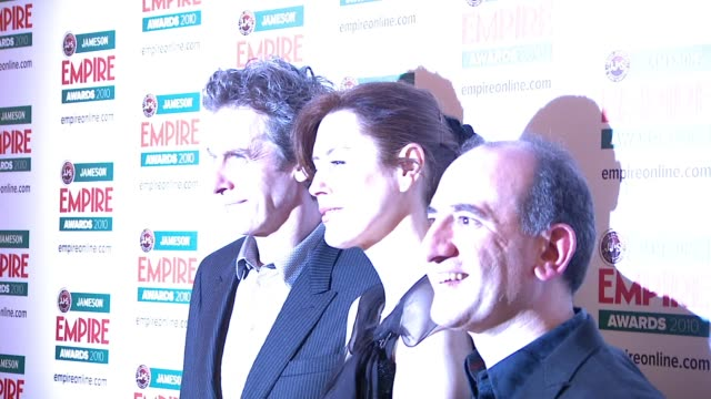 vídeos y material grabado en eventos de stock de armando iannucci peter capaldi at the jameson empire awards at london england - armando iannucci