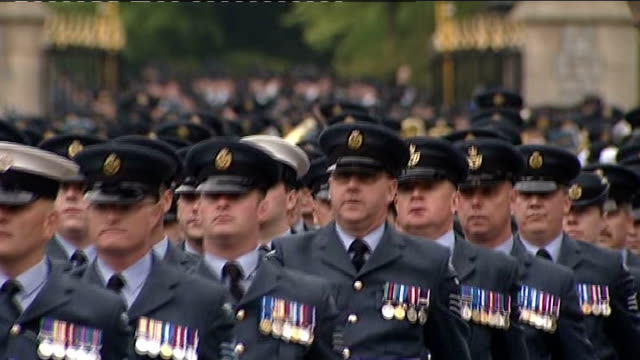 armed forces parade to mark queen's diamond jubilee; more of troops marching along - diamantenes jubiläum stock-videos und b-roll-filmmaterial