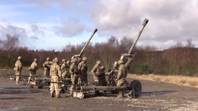 stockvideo's en b-roll-footage met uk armed forces were joined by french and danish troops as they prepared for their role as part of nato's very high readiness joint task force the... - britse leger