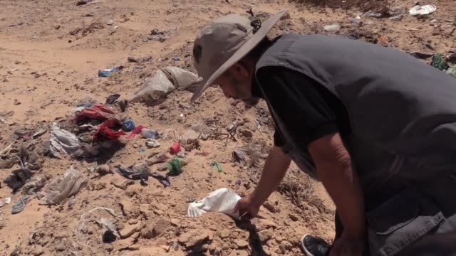 armed with just a spade chamseddine marzoug is determined to give a dignified burial to migrants who drowned in waters off his tunisian hometown... - hometown bildbanksvideor och videomaterial från bakom kulisserna