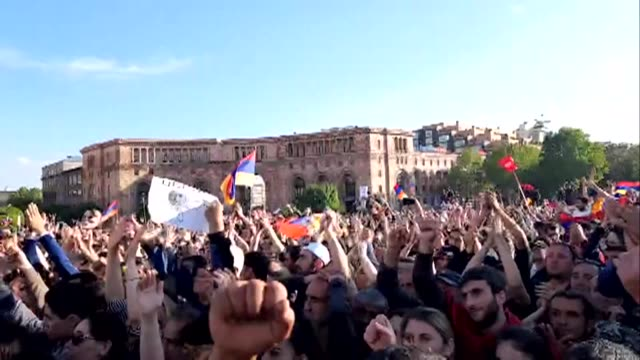 armenians celebrate on yerevan's republic square following prime minister serzh sarkisian's resignation - prime minister video stock e b–roll
