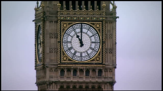 armistice day marked across the country england london ext big ben striking eleven o'clock on armistice day to mark the beginning of the two minute... - リチャード・パロット点の映像素材/bロール