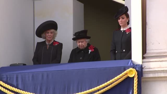 queen and other royals on whitehall balcony england london whitehall queen elizabeth ii on balcony with camilla duchess of cornwall and catherine... - 停戦点の映像素材/bロール