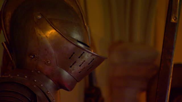 vidéos et rushes de armor helmet - armement