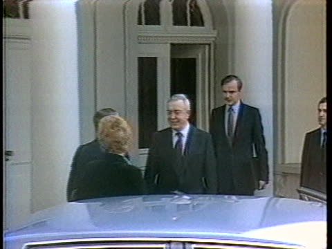 us arms negotiator maynard glitman and soviet negotiator aleksei obukhov arrive in geneva switzerland to begin disarmament discussions - business or economy or employment and labor or financial market or finance or agriculture stock-videos und b-roll-filmmaterial