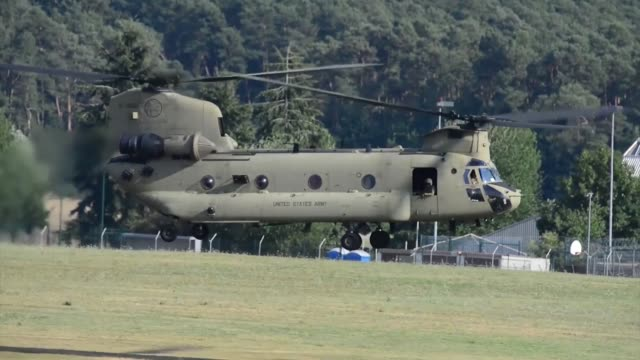 army ch-47 chinook helicopter from company b, 1st battalion, 214th aviation regiment, 12th combat aviation brigade returns from conducting a traffic... - 連隊点の映像素材/bロール
