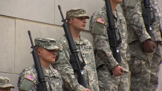 army men standing at attention at the vietnam veterans memorial on veteran's day on november 10, 2012 in chicago, illinois - veterans day stock videos & royalty-free footage