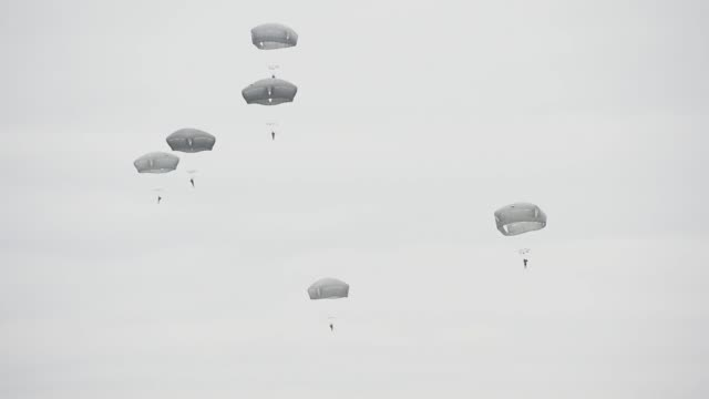 us army paratroopers assigned to the 173rd airborne brigade conduct airborne operations with support of ch47f chinook helicopters assigned to task... - brigade stock videos and b-roll footage