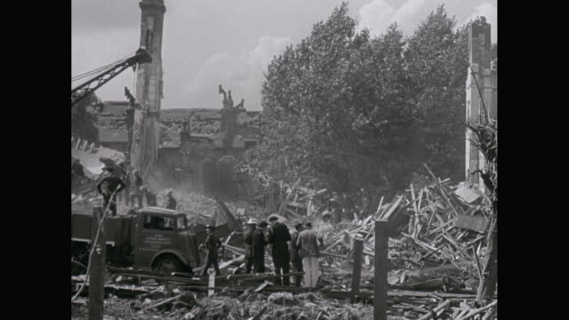 ws pan army soldier and firefighter working during london blitz- london, england, united kingdom - allied forces stock videos & royalty-free footage