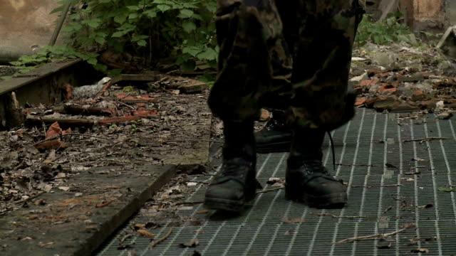 stockvideo's en b-roll-footage met army - munitie