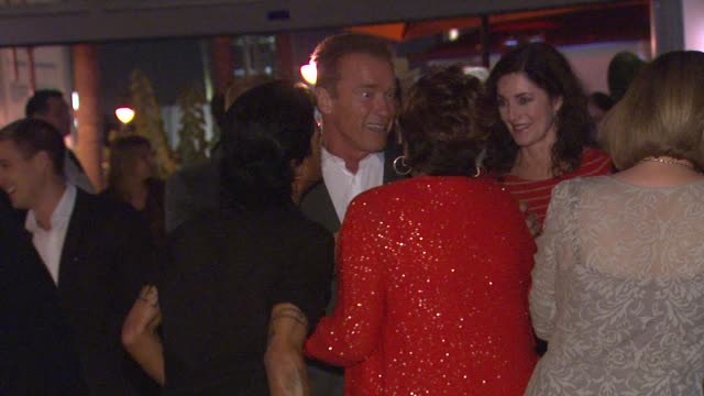 arnold schwarzenegger at arnold schwarzenegger celebrates the launch of his autobiography, total recall with a party at s mixology101 on 10/5/12 in... - biographie stock-videos und b-roll-filmmaterial