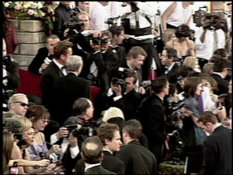 arnold schwarzenegger at the 2000 academy awards at the shrine auditorium in los angeles california on march 26 2000 - arnold schwarzenegger stock-videos und b-roll-filmmaterial