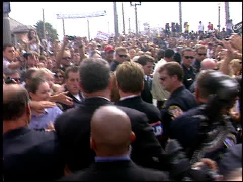 Arnold Schwarzenegger at the Arnold Schwarzenegger Campaign on October 6 2003