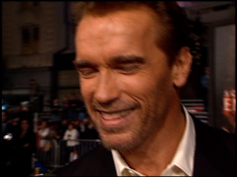 Arnold Schwarzenegger at the 'End of Days' Premiere at Grauman's Chinese Theatre in Hollywood California on November 16 1999