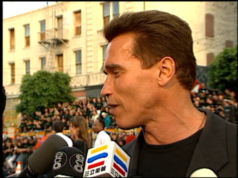 arnold schwarzenegger at the 'eraser' premiere at grauman's chinese theatre in hollywood california on june 11 1996 - 1996 stock videos & royalty-free footage