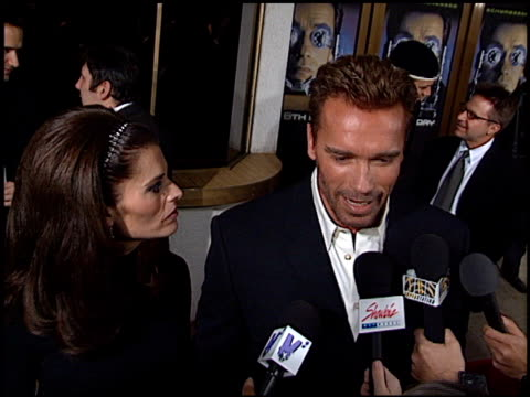 Arnold Schwarzenegger at the Premiere of 'The 6th Day' on November 13 2000