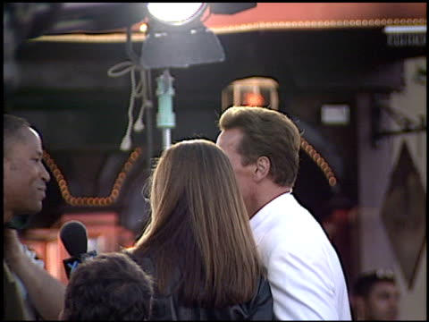 vidéos et rushes de arnold schwarzenegger at the 'terminator 3 rise of the machines' premiere on june 30 2003 - arnold schwarzenegger
