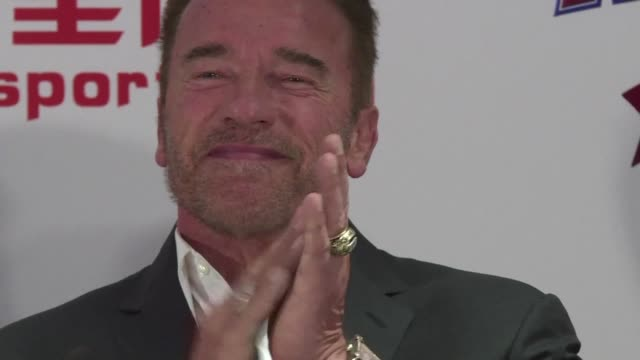 stockvideo's en b-roll-footage met arnold schwarzenegger confirmed on friday that he is terminating his time on the new celebrity apprentice after blaming president donald trump's... - verwijten