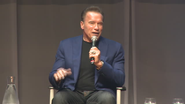 vidéos et rushes de arnold schwarzenegger presents the arnold classic europe 2019 in barcelona - arnold schwarzenegger