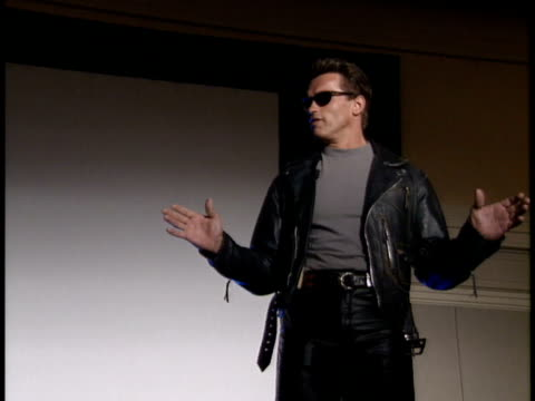 vidéos et rushes de arnold schwarzenegger talks about the terminator convention - arnold schwarzenegger