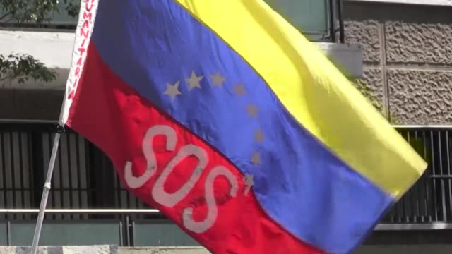 Around 100 protesters mostly transplant patients gathered in front of the Peruvian and Dutch embassies in Caracas Monday demanding the international...