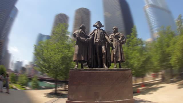 HYPERLAPSE around George Washington statue