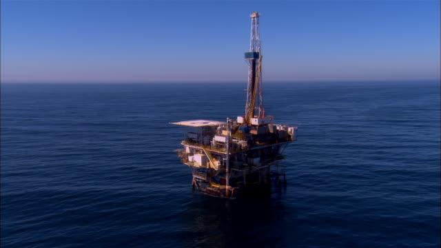 aerial around oil rig/ santa barbara, california  - サンタバーバラ点の映像素材/bロール