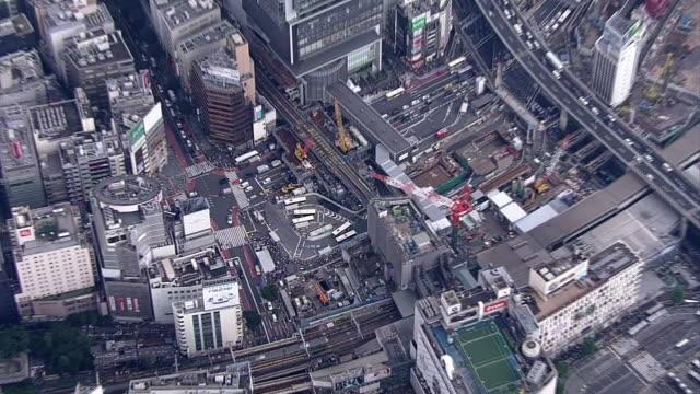 aerial, around shibuya station, tokyo, japan - 動画関連点の映像素材/bロール