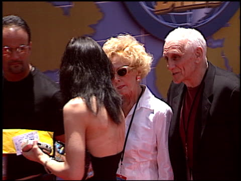 around the world in 80 days premiere at the 'around the world in 80 days' premiere at the el capitan theatre in hollywood california on june 16 2004 - el capitan theatre stock videos & royalty-free footage