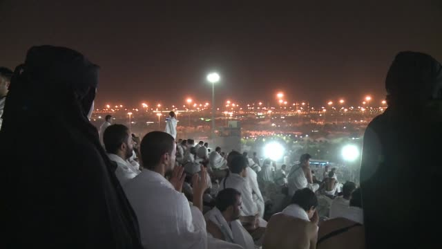 around two million whiteclad muslims on wednesday poured into the vast saudi plain where prophet mohammed is believed to have given his final sermon... - hajj stock videos & royalty-free footage