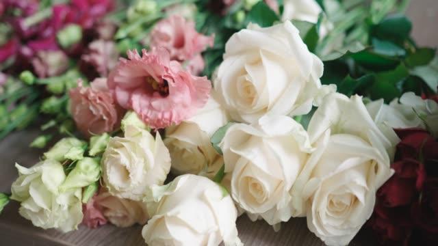 花束の手配 - 花束点の映像素材/bロール