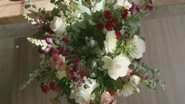 arranging bouquet - gift stock videos & royalty-free footage