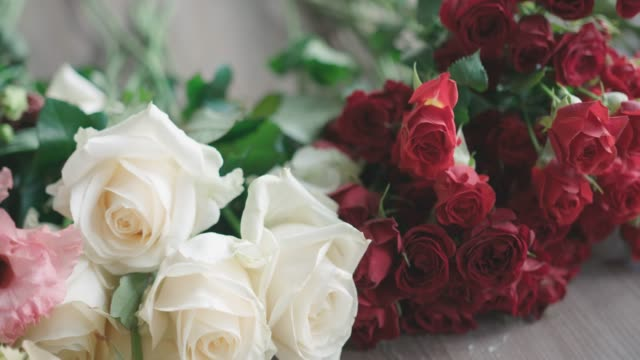 arranging bouquet - arranging stock videos & royalty-free footage