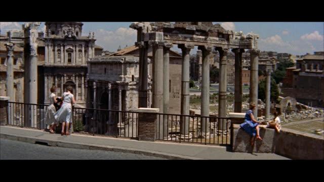 stockvideo's en b-roll-footage met ms pan arrival of naples and capri steamer / rome, italy - kleding